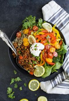 This Deconstructed Stuffed Bell Pepper Bowl is a delicious family-style gluten free recipe everyone will love. It's healthy, hearty, nutritious and delicious! Quick Dinner Recipes, Easy Healthy Dinners, Easy Healthy Recipes, Gluten Free Recipes, Veggie Dinners, Bell Pepper Salad, Clean Eating, Healthy Eating, Healthy Food