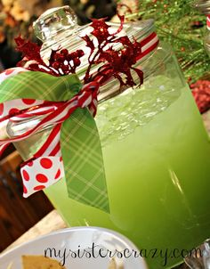 The Food Explorer's Favorite Alcoholic & Non-Alcoholic Christmas Punch Recipes: Christmas Eve Punch from My Sister's Crazy Holiday Punch, Christmas Punch, Christmas Party Food, Christmas Appetizers, Christmas Drinks, Holiday Drinks, Christmas Goodies, Christmas Desserts, Crazy Holiday