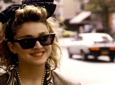 Madonna in Desperately Seeking Susan Madonna 80s Fashion, 40s Fashion, Fashion Hair, 1980s Costume, Desperately Seeking Susan, Bae, Still Love Her, Film Images, 80s Hair