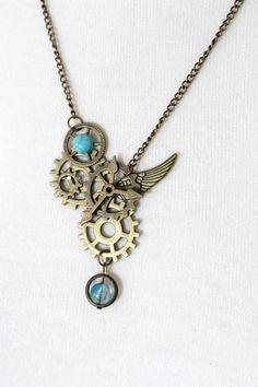 Handmade steampunk necklace in bronze with a composition of