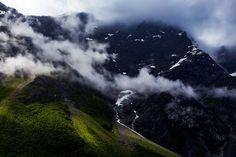 Vacker bergvägg