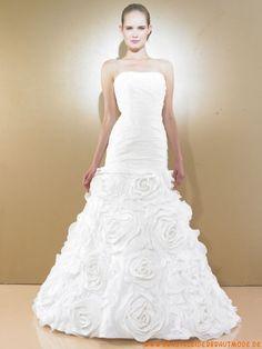 Luxuriöse traumhafte Brautmode aus Organza und Satin mit Schleppe