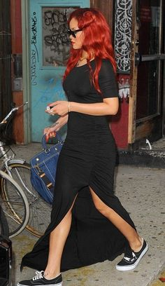 Rihanna in Vans Rihanna Street Style, Rihanna Mode, Rihanna Outfits, Converse Outfits, Bustiers, Beyonce, Modest Maxi Dress, Dresses With Vans, Dress With Sneakers