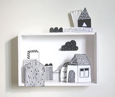 Make a diorama with one of the shadow boxes we have lying around (Voorbeeld kijkdoos). Use color. Diy For Kids, Crafts For Kids, Big Kids, Diy And Crafts, Paper Crafts, Foam Crafts, Paper Toys, Diy Paper, Matchbox Art