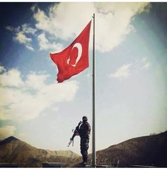 #turkish #soldier Mein Land, 4 Photos, Special Forces, Armed Forces, Mount Everest, Military, In This Moment, Mountains, Outdoor Decor