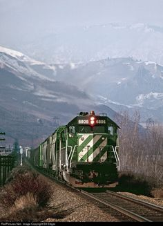 Burlington Northern Railroad EMD SD40-2 at Malaga, Washington by Bill Edgar