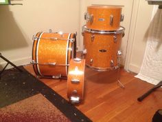 Luan MIJ Dixie drum set. Flee market score  RARE 18 inch bass drum  12 inch rack tom 14 inch floor tom ( not dixie but same wood and make) 13 inch snare drum