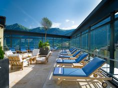 Wellness im Hotel Salzburger Hof Bad Gastein, Sauna, Outdoor Furniture Sets, Outdoor Decor, Conference Room, Table, Home Decor, Vacations, Meeting Rooms