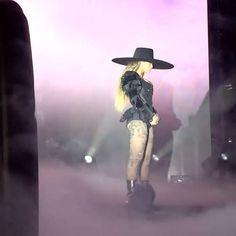 Beyoncé Formation World Tour Marlins Park Miami Florida 27th April 2016 (video)