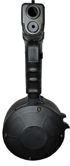 Korean Glock Drum that can hold 50 rounds. This is real self protection. Drum Magazine, Glock Guns, Duty Gear, Personal Defense, Military Surplus, Home Defense, Guns And Ammo, Tactical Gear, Firearms