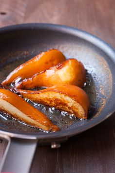 Caramelized Pears with Butter Rum Sauce: A perfect fall/winter dessert and a great excuse to bust out the ice cream even if it's chilly outside! Pear Dessert Recipes, Pear Recipes, Fruit Recipes, Just Desserts, Sweet Recipes, Delicious Desserts, Cooking Recipes, Yummy Food, French Recipes