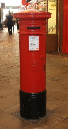 Victorian (VR) Pillar Box, Oxford Indoor Market, June 2012.