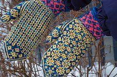Ravelry: Angela's Mittens pattern by Yvette Noel