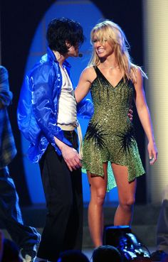 "Britney performs ""The Way You Make Me Feel"" with Michael Jackson in 2001."