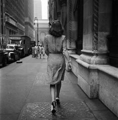 Stanley Kubrick: Walking the Streets, New York City, 1946. East 43rd Street, walking east from 5th Avenue toward Grand Central Terminal.