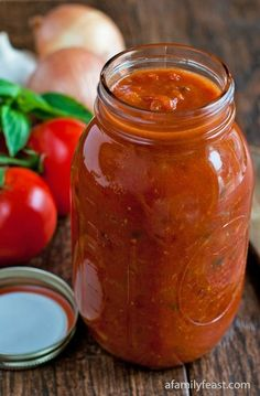 A delicious Italian Tomato Sauce recipe that has been around for generations. This is a recipe that every cook should have in their collection! A delicious Italian Tomato Sauce recipe… Italian Tomato Sauce, Italian Pasta, Italian Red Sauce Recipe, Homemade Sauce, Homemade Spaghetti Sauce, Homemade Pasta Sauces, Spaghetti Sauce From Scratch, Homemade Marinara, Antipasto