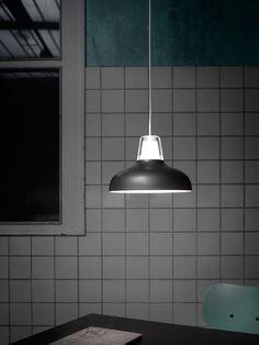 Icefox ist aus Nicholai Wiig Hansens Vision, eine Pendelleuchte mit einem weichen Übergang zwischen dem direkten Licht und dem Licht für den Raum zu schaffen, entstanden.