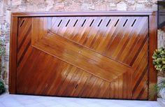 Portão de Madeira EP-311 pode ser revistido com madeira ipê ou jatoba no desenho vertical, diagonal, espinha de peixe ou losango (assoalho, deck ou lambril).