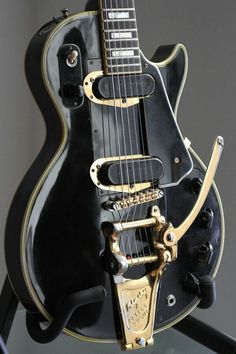 Black beauty. Less Paul's prototype of the electronic guitar. Without this ,there wouldn't be rock and roll.