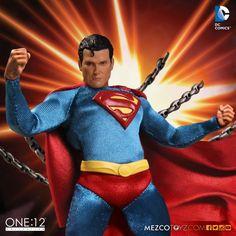 ToyzMag.com » Mezco : une figurine classique de Superman