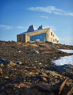 Remote mountain site hosts hikers' cabin in Norway.