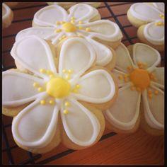 Daisy flower sugar cookies