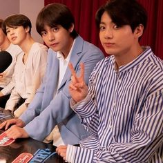 Jikook, Jimin Jungkook, Taehyung, Bts Maknae Line, 3 Picture, Vmin, Bts Video, Jung Hoseok, Boy Bands