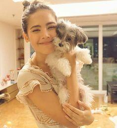 Thai Princess, Beautiful People, Beautiful Women, Cute Girl Face, Celebrity Couples, Woman Crush, Woman Face, Beauty Photography, My Idol