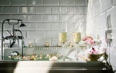 Czech Republic - Hrubá Skála Chateau Wellness Centre Wine Bath, Romantic Bathrooms, Shower Rod, Relaxing Bath, Top Restaurants, Ways To Relax, Good Night Sleep, 3 D, Bubbles