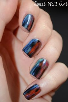 http://sweet-nail-art.over-blog.fr/article-grunge-nails-117284199.html