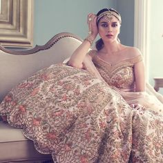 Aditi transforms into a fairy tale bride. Aditi Rao Hydari looks unbelievably stunning as the romantic bride. Indian Bridal Outfits, Indian Bridal Lehenga, Indian Bridal Wear, Pakistani Bridal, Indian Dresses, Bridal Dresses, Latest Bridal Lehenga, Anita Dongre, Lehenga Indien