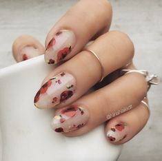 Give your nails a spin with eye-catching flower nail designs with roses. Experiment with cheery spring nail designs. Go through our nail art with roses step by step instructions here. For that extra p Nail Art Designs, Flower Nail Designs, Nails Design, Design Art, Nails With Flower Design, Design Ideas, Salon Design, Floral Designs, Acrylic Nails