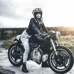 Rider Girl on Honda Custom Cafe Racer Cafe Racer Style, Cafe Racer Girl, Custom Cafe Racer, Cx500 Cafe Racer, Scrambler, Cafe Racers, Honda Cx500, Honda Motorcycles, Vintage Motorcycles
