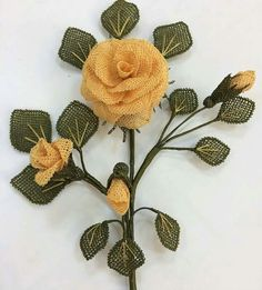 This Pin was discovered by omr Flower Crafts, Diy Flowers, Crochet Flowers, Burlap Crafts, Lace Making, Needlepoint, Free Pattern, Sewing Patterns, Creations