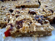I have some quinoa i need to use, may just try this! Quinoa Protein Bars (gluten, dairy and nut-free) by hopeforhealing Quinoa Protein, Protein Snacks, Protein Bars, Quinoa Bars, Workout Protein, High Protein, Healthy Sweets, Healthy Snacks, Whole Food Recipes
