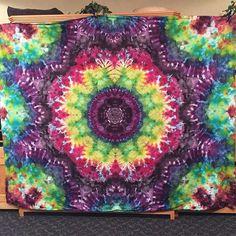 Cosmic flower ✌️ tie dye tapestry #tiedye #tiedyesheets #tiedyemandala #hippie #hipster #boho #rainbow #colorful #cosmic #vintageinspired #festival #fashion #flowerpower #neveroutofstyle #mandala #star #kielidoscope #art #handdyed #handmade #eyegasm #oneofakind #store #shopping #shopsmall #smallbusiness #youwantthis #forsale #etsy #galenstiedyeshop