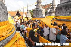 The Hae Pha Kuen That Festival is unique to the southern province of Nakhon Si Thammarat