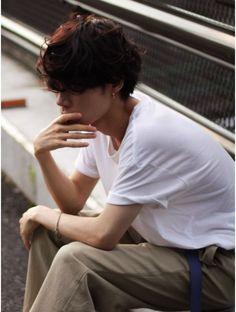 グランジ大きめワンカールマッシュ:L003084597|ガズル ハラジュク(GUZZLE HARAJUKU)のヘアカタログ|ホットペッパービューティー Korean Men Hairstyle, Barber Man, Hair Reference, Aesthetic Boy, Poses, Dope Fashion, Mi Long, Haircuts For Men, Hair Inspo
