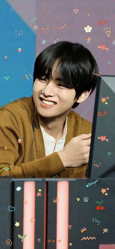 Foto Bts, Bts Photo, Taehyung Smile, Bts Taehyung, Daegu, Cute Bunny Cartoon, Jin, V Bts Wallpaper, Album Bts