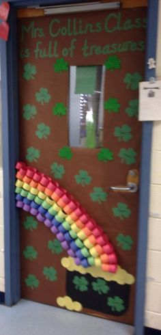 Spring Classroom Door Decorations Ideas St Patrick 48 Ideas For 2019 March Crafts, St Patrick's Day Crafts, Daycare Crafts, Classroom Crafts, Classroom Door, Classroom Libraries, Classroom Themes, Preschool Door, Preschool Bulletin
