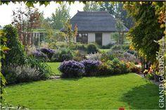 Vidiecka záhrada s domčekom