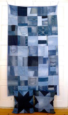 as almofadas que aqui mostrei na semana passada foram o primeiro teste deste projeto que tenho em mãos desde o início do ano: dar um novo uso aos muitos pares de calças de ganga inutilizados que te... Denim Patchwork, Reuse, Scrap, Quilts, Contemporary, Blanket, Blue Jean Quilts, Patch Jeans, Throw Pillows