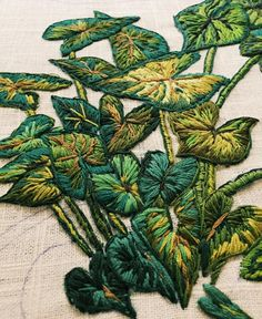 Wonderful Ribbon Embroidery Flowers by Hand Ideas. Enchanting Ribbon Embroidery Flowers by Hand Ideas. Contemporary Embroidery, Modern Embroidery, Embroidery Thread, Cross Stitch Embroidery, Embroidery Patterns, Advanced Embroidery, Bordado Floral, Do It Yourself Fashion, Diy Upcycling