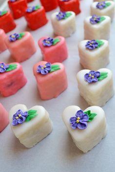 Valentine Petits Fours: vanilla bean cake with Amaretto fruit jam filling Tea Cakes, Mini Cakes, Cupcake Cakes, Mini Desserts, Just Desserts, Delicious Desserts, Vanilla Bean Cakes, Petit Cake, Tea Sandwiches
