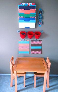 kinderzimmer gestalten leseecke sitz kisten schreibtisch leseecke runde stühle sitzkissen bastelecke zimmer ikea stuhl
