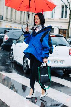 Street style à la Fashion Week automne-hiver 2017-2018 de Paris  Photo par Sandra Semburg