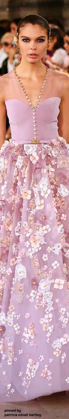 Floral and lavender♡♡♡♡♡ Fashion Week, Runway Fashion, High Fashion, Fashion Show, Fashion Design, Vestidos Color Rosa, Gala Dresses, Haute Couture Fashion, Floral Fashion