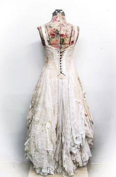 back of Kassidy's wedding gown