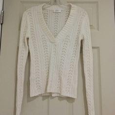 Ann Taylor Loft Cream V Neck Sweater EUC Ann Taylor Loft cream v-neck sweater LOFT Sweaters V-Necks