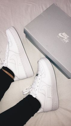 Nike Air Force 1✨ Girls Sneakers, Sneakers Fashion, Shoes Sneakers, Dream Shoes, New Shoes, Nike Shoes Air Force, White Nike Shoes, Baskets, Nike Af1